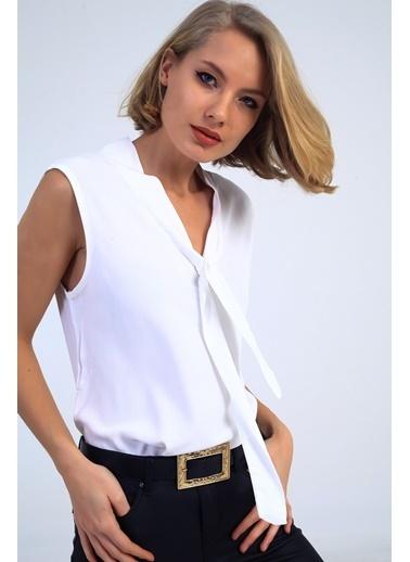 Emjey Kravatlı Yaka Kolsuz Bluz Beyaz